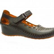 Pantof negru usor si confortabil cu talpa plina, inaltime medie