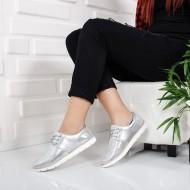 Pantof tineresc cu siret, de culoare argintie, model tip sport