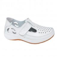Pantofi din piele cu perforatii si talpa comoda,nuanta de alb