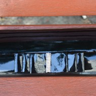 Poseta fashion de ocazie, nuanta negru lucios decorata cu funda