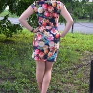 Rochie comoda,  scurta ,sexi cu trandafiri multicolori