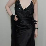 Rochie de gala, nuanta de negru, decolteu adanc