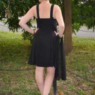 Rochie de ocazie scurta, neagra cu insertie de material roz aprins