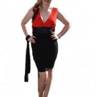 Rochie eleganta, scurta, nuanta negru-rosu, cu croiala cambrata