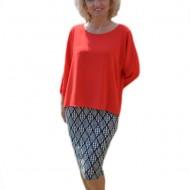 Rochie fashion cu aspect de costum, bluza lejera rosie, fusta conica