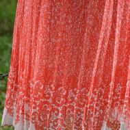 Rochie lejera din material vaporos, nuanta corai-alb, de vara