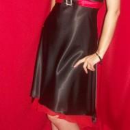 Rochie scurta din saten , de culoare negru-rosu