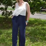 Salopeta eleganta de culoare bleumarin combinat cu voal alb
