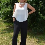 Salopeta moderna, eleganta, nuanta de alb combinat cu negru