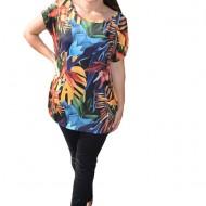 Bluza Lucia cu imprimeu exotix pe fond negru