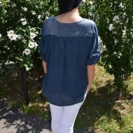 Bluza rafinata , nuanta de bleumarin cu breoderie florala