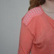 Bluza trendy cu maneca lunga si decolteu adanc, de culoare corai