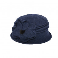 Caciula Ava tip palarie din lana accesorizata cu floare ,nuanta de bleumarin
