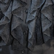 Camasa trendy cu volanase din dantela, culoare neagra, cu nasturi