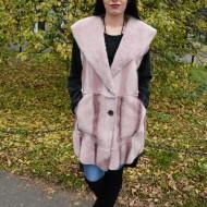 Cardigan calduros fara maneca, de culoare roz, din blanita usoara