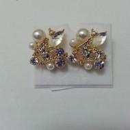 Cercei eleganti din cristale argintii, negre, albastre si perle albe