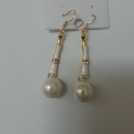Cercei fashion, lungi, foarte usori, din strasuri si perle albe sidef