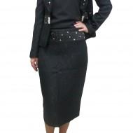 Costum negru, elegant, cu fusta midi, sacou cu maneca lung