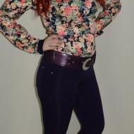 Pantalon tineresc, de culoare mov, usor elastici
