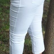 Pantaloni trei-sferturi, pentru tineret cu un design rafinat