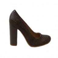 Pantof de culoare bej, cu imprimeu inedit cu detalii negre