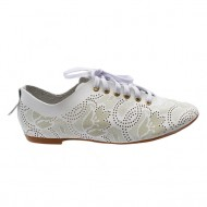 Pantof modern si comod, nuanta de alb, perforatii fine chic