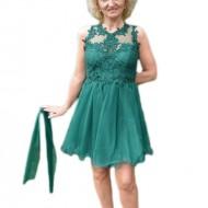 Rochie de nunta cu croi evazat, cu tul, nuanta de verde inchis