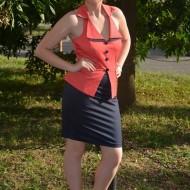 Rochie deosebita tip costumas, corai-bleumarin, model scurt