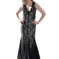 Rochie din dantela neagra pe fond crem, model tip sirena