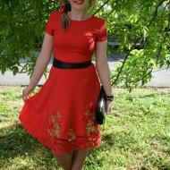 Rochie eleganta cu maneca scurta, nuanta rosie cu broderie