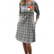 Rochie fashion de zi cu carouri gri inchis si flori colorate, brodate