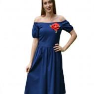 Rochie fashion de zi, de culoare bleumarin, cu floare brodata