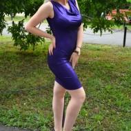 Rochie fashion din material lucios mov, model scurt de ocazie