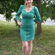 Rochie tinereasca verde, croi cambrat pe silueta si maneca lunga