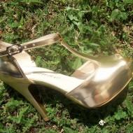 Sanda clasica tip pantof cu platforma, piele ecologica aurie