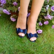 Sanda tip pantof de nuanta bleumarin, de gala cu toc inalt