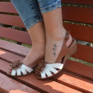 Sandale cu toc ortopedic mediu,din piele naturala, decorate cu o floare