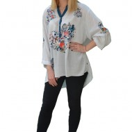 Bluza casual ,croi lejer,model painted,nuanta de alb