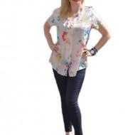 Bluza delicata de vara, de nuanta piersicii cu imprimeu multicolor