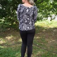Bluza dreapta cu maneca lunga si decolteu rotund, negru-alb