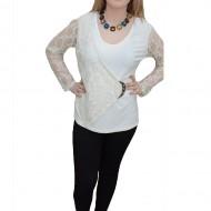 Bluza in nuanta de alb, dantela fina aplicata lateral