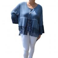 Bluza lejera Carina cu insertii de dantela, nuanta de albastru