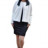Bolero Elisa din blana sintetica, model pana in talie cu maneca lunga,nuanta de alb