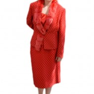 Costum elegant bej, gri, negru,rosu cu insertii de blanita