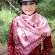 Esarfa rafinata de culoare roz cu model paisley de nuanta marsala