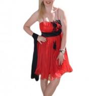Rochie de seara scurta, rosie, usor evazata, insertie de flori negre
