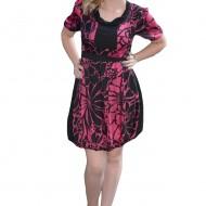 Rochie de zi, tip gogosar, de culoare roz-negru, cu model floral