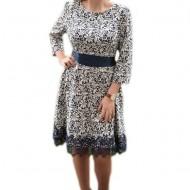 Rochie eleganta masura mare, bleumarin-alb cu aspect dantelat