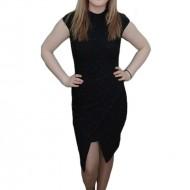 Rochie neagra, design interesant cu sclipici aplicat