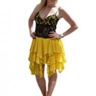 Rochie rafinata,de culoare galbena, cu bustul inbracat in dantela